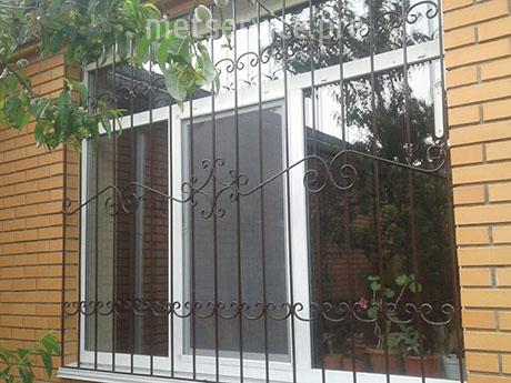 Решётка на окно для частного дома