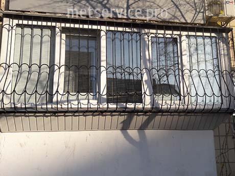 Решётки на балкон с выносом