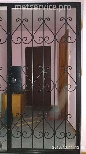 Решётчатые двери в тамбур
