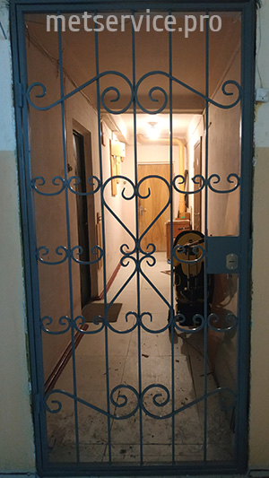 Дверь решётка в тамбур